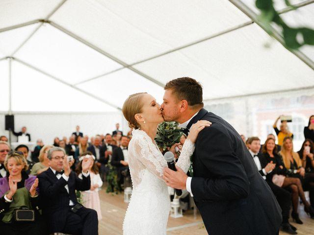 Le mariage de Julien et Mariana à Beaulieu-sur-Loire, Loiret 27