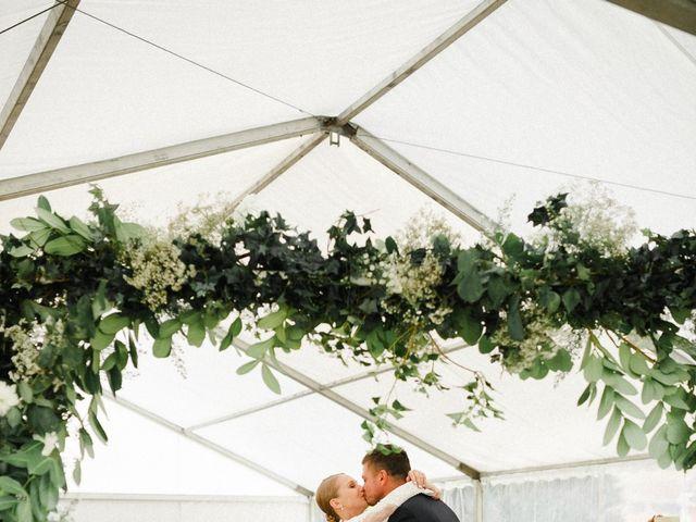 Le mariage de Julien et Mariana à Beaulieu-sur-Loire, Loiret 28
