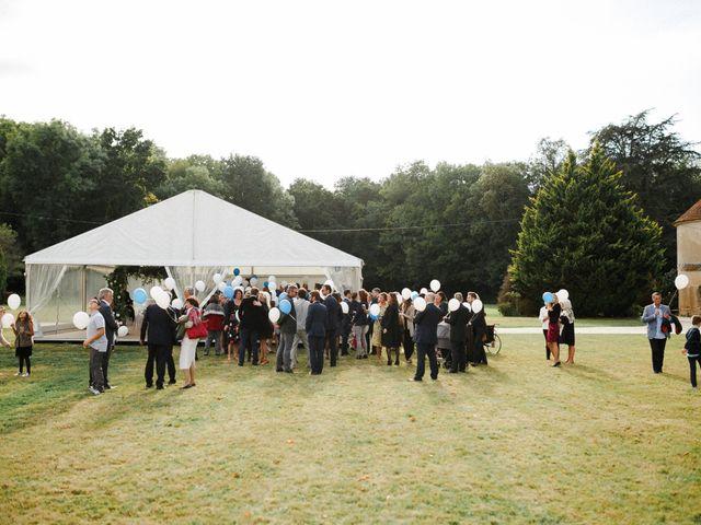 Le mariage de Julien et Mariana à Beaulieu-sur-Loire, Loiret 32