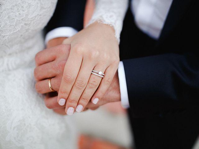 Le mariage de Julien et Mariana à Beaulieu-sur-Loire, Loiret 44