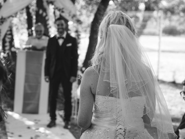 Le mariage de Stéphane et Lucile à Lapalud, Vaucluse 22