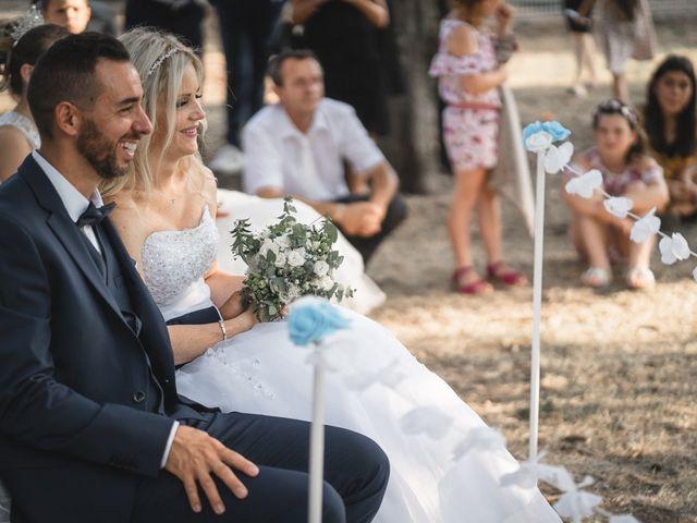 Le mariage de Stéphane et Lucile à Lapalud, Vaucluse 24