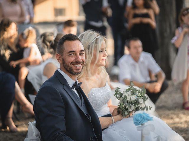 Le mariage de Stéphane et Lucile à Lapalud, Vaucluse 25