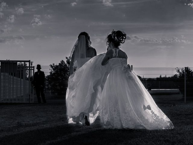 Le mariage de Stéphane et Lucile à Lapalud, Vaucluse 60