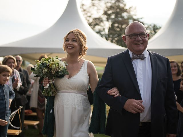 Le mariage de Tojo et Gaelle à Cassel, Nord 42