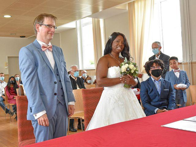 Le mariage de Didier et Marcelline à Villers-Saint-Paul, Oise 5