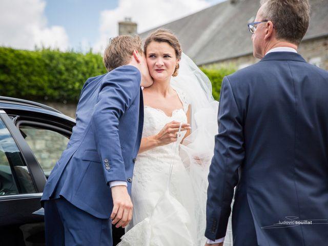 Le mariage de Romain et Virginie à Granville, Manche 5