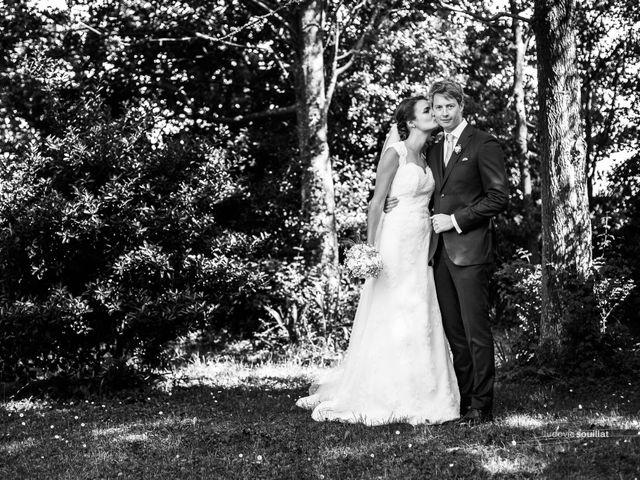 Le mariage de Romain et Virginie à Granville, Manche 36