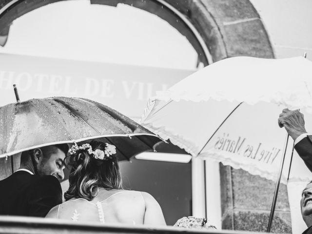 Le mariage de Camille et Alexandra à Charbonnières les Varennes, Puy-de-Dôme 1