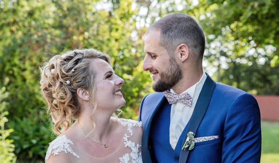 Le mariage de Adrien  et Emilie  à Saint-Médard-en-Jalles, Gironde