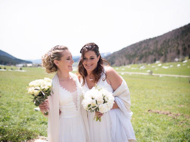 Le mariage de Julie  et Sandra à Vizille, Isère 12