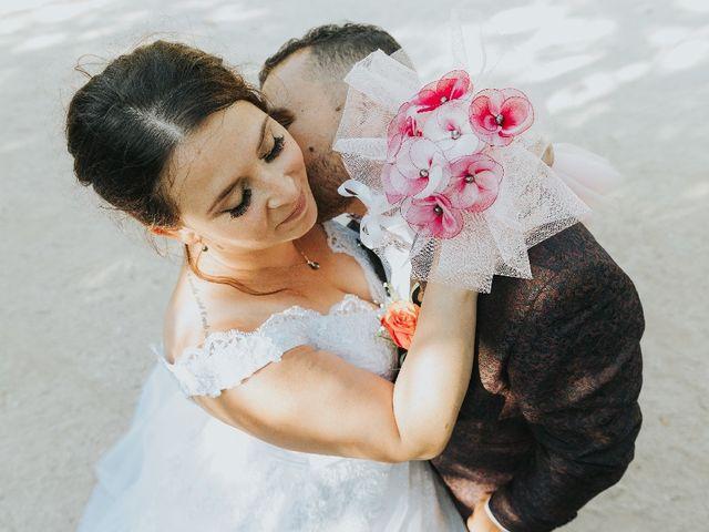 Le mariage de Bastien et Aline  à Gonfaron, Var 15