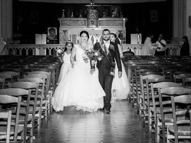 Le mariage de Bastien et Aline  à Gonfaron, Var 16