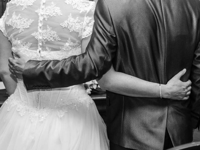 Le mariage de Martial et Nadège à Séguret, Vaucluse 14