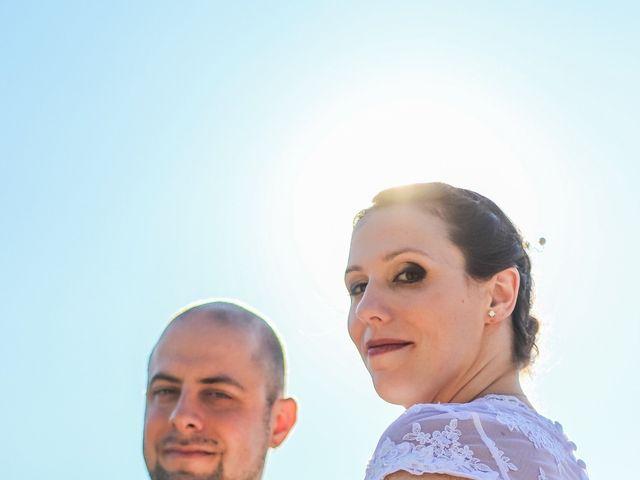 Le mariage de Martial et Nadège à Séguret, Vaucluse 19