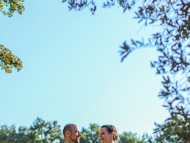 Le mariage de Martial et Nadège à Séguret, Vaucluse 25
