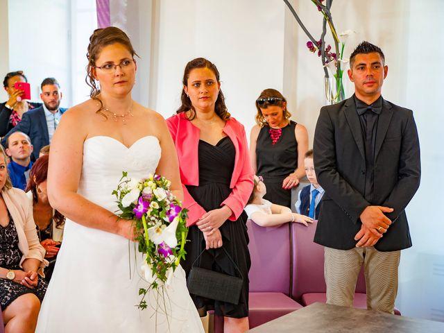 Le mariage de Sébastien et Christelle à Pontault-Combault, Seine-et-Marne 23