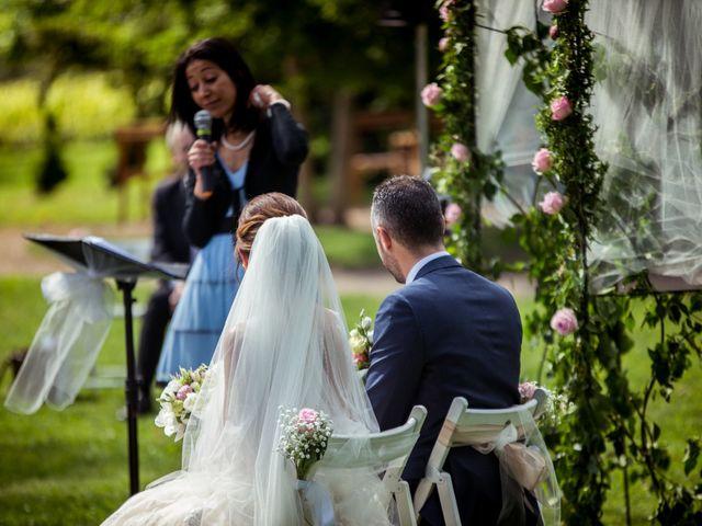 Le mariage de Vladimir et Jamila à La Chapelle-de-Guinchay, Saône et Loire 18