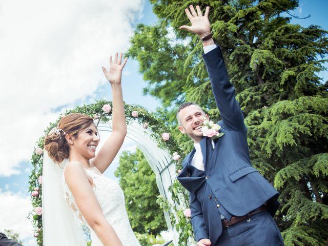 Le mariage de Vladimir et Jamila à La Chapelle-de-Guinchay, Saône et Loire 25