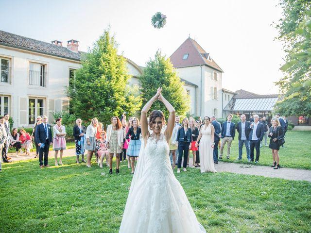 Le mariage de Vladimir et Jamila à La Chapelle-de-Guinchay, Saône et Loire 31