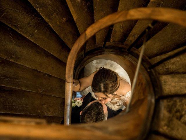 Le mariage de Vladimir et Jamila à La Chapelle-de-Guinchay, Saône et Loire 32