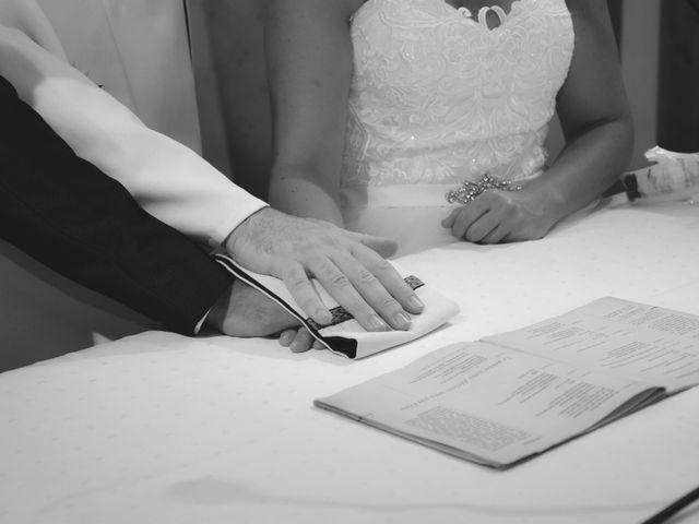 Le mariage de Olivier et Charlène à Châteauneuf-lès-Martigues, Bouches-du-Rhône 25