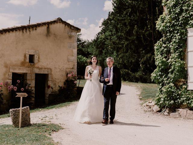 Le mariage de Thomas et Anne-laure à Mouthiers-sur-Boëme, Charente 51