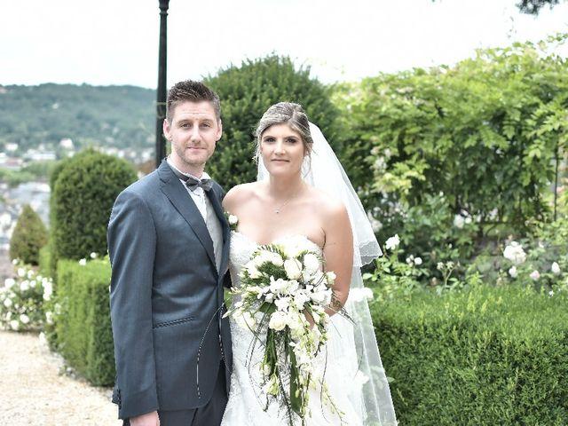Le mariage de Alexandre et Amaelle à Terrasson-Lavilledieu, Dordogne 32
