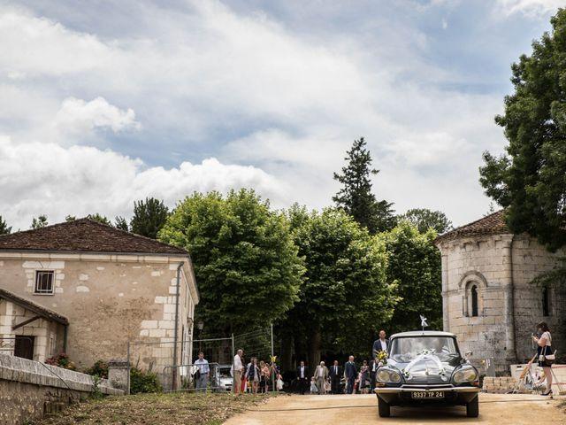 Le mariage de Sébastien et Julie à Château-l'Évêque, Dordogne 10