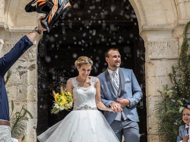 Le mariage de Sébastien et Julie à Château-l'Évêque, Dordogne 15
