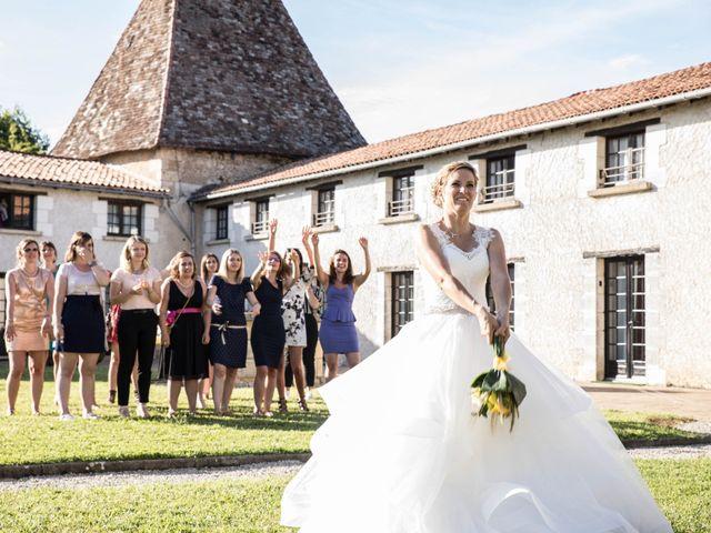Le mariage de Sébastien et Julie à Château-l'Évêque, Dordogne 18