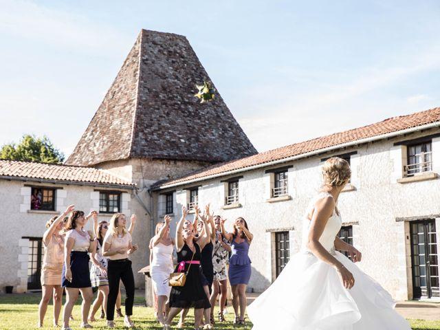 Le mariage de Sébastien et Julie à Château-l'Évêque, Dordogne 19