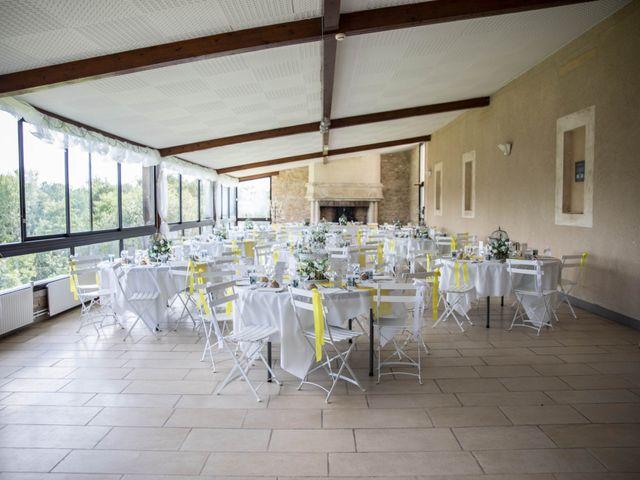Le mariage de Sébastien et Julie à Château-l'Évêque, Dordogne 32