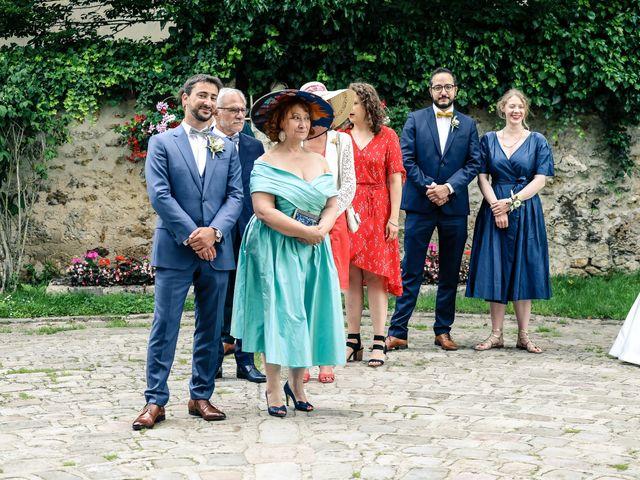 Le mariage de Nicolas et Camille à Saint-Léger-en-Yvelines, Yvelines 76