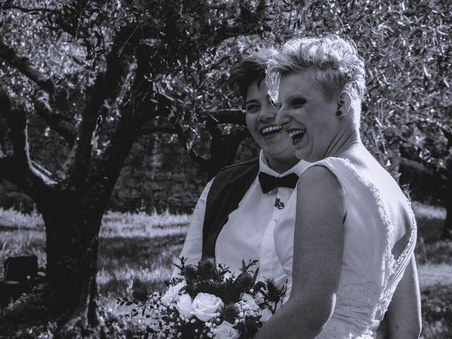 Le mariage de Marine et Delphine à Venterol, Hautes-Alpes 21