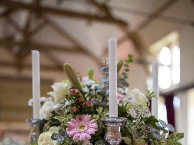 Le mariage de Damien et Aurélie à Béville-le-Comte, Eure-et-Loir 37