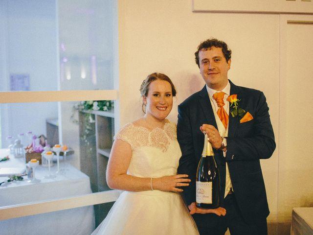 Le mariage de Steven et Julia à Bordeaux, Gironde 12
