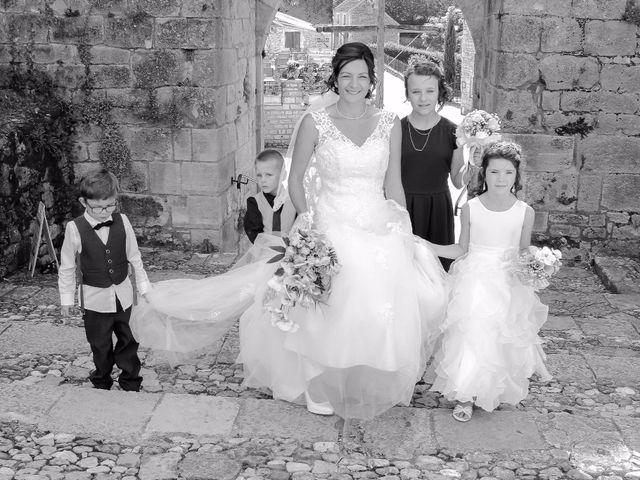 Le mariage de Paul et Céline à Saint-Amand-de-Coly, Dordogne 17