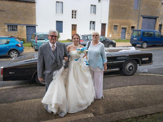 Le mariage de Arnaud et Alexandra à Remilly-Aillicourt, Ardennes 4