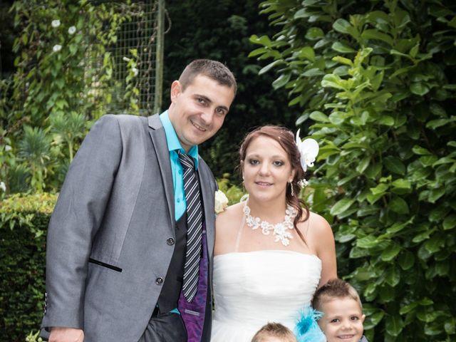 Le mariage de Arnaud et Alexandra à Remilly-Aillicourt, Ardennes 18
