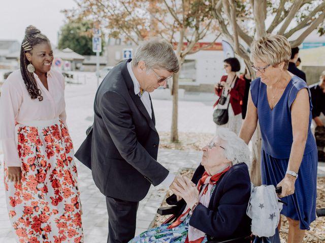 Le mariage de Neil et Sonia à Crach, Morbihan 44