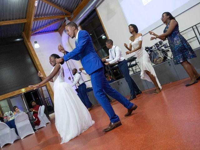 Le mariage de Julien et Ruthline à Clermont-Ferrand, Puy-de-Dôme 36