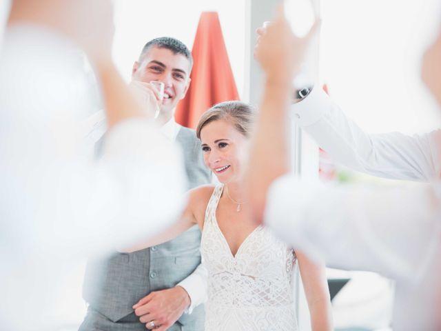 Le mariage de Damian et Katie à Saint-Priest-Bramefant, Puy-de-Dôme 14