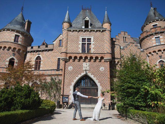 Le mariage de Damian et Katie à Saint-Priest-Bramefant, Puy-de-Dôme 17