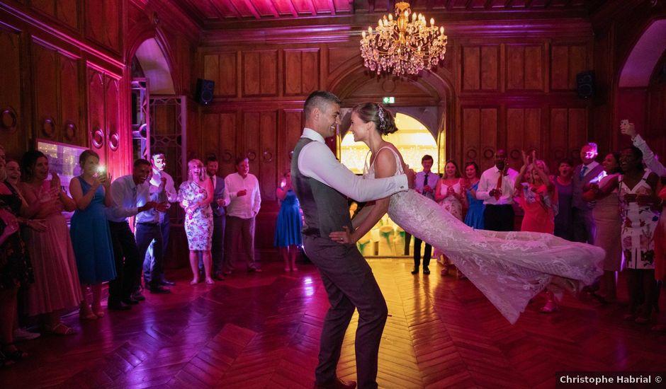 Le mariage de Damian et Katie à Saint-Priest-Bramefant, Puy-de-Dôme