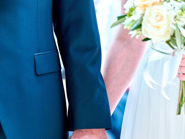 Le mariage de Thierry et Mathilde à Ancy-le-Franc, Yonne 57