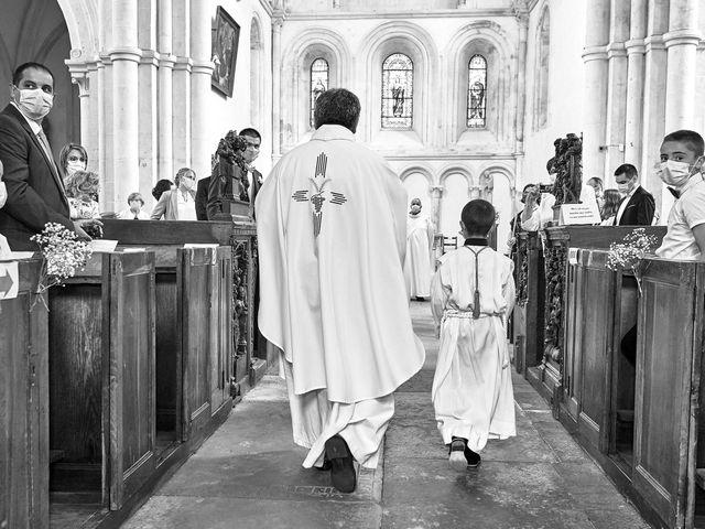 Le mariage de Thierry et Mathilde à Ancy-le-Franc, Yonne 71