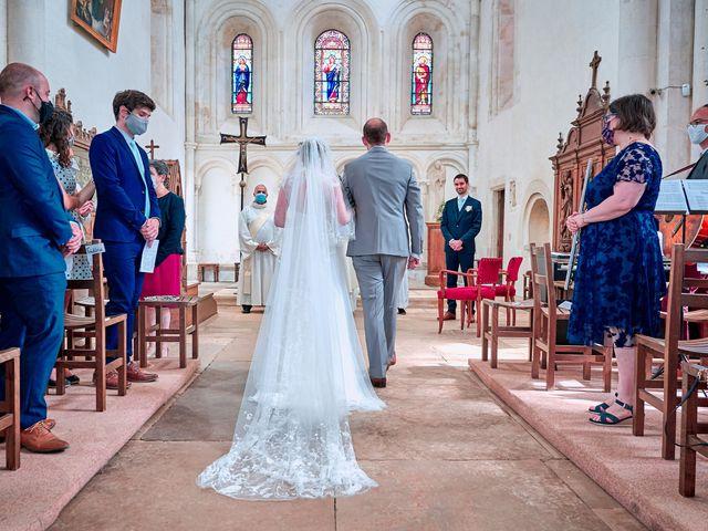 Le mariage de Thierry et Mathilde à Ancy-le-Franc, Yonne 77