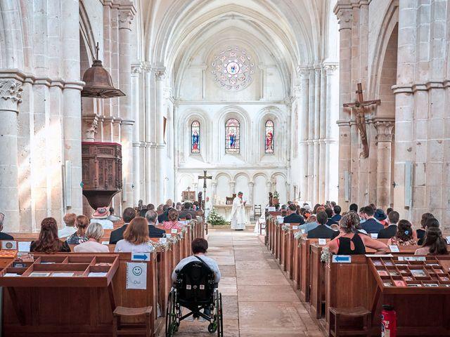 Le mariage de Thierry et Mathilde à Ancy-le-Franc, Yonne 94