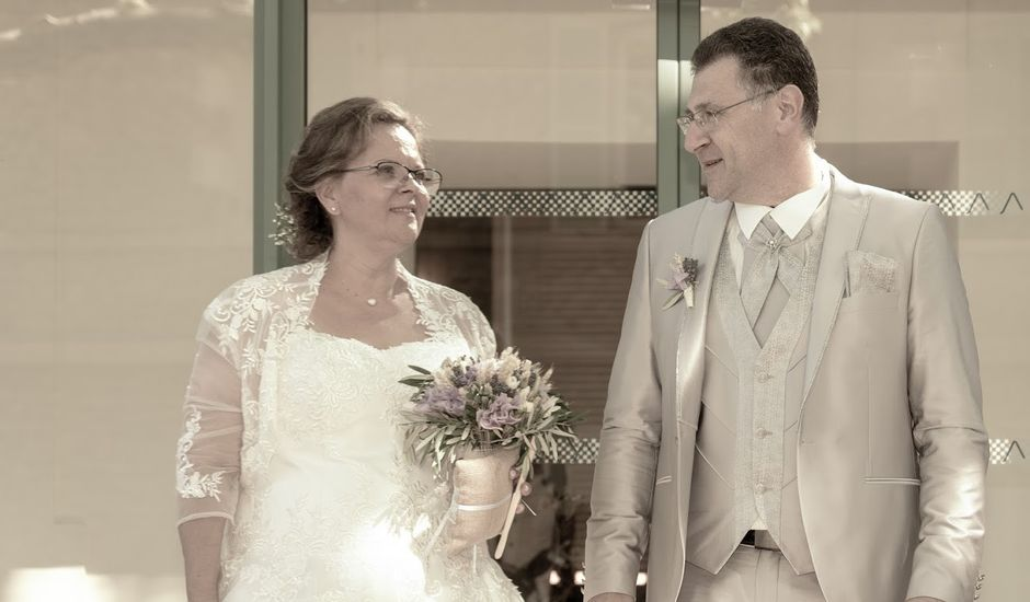 Le mariage de Laurent et Claudie à Grans, Bouches-du-Rhône